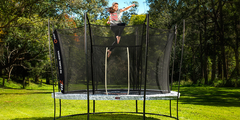 10-minute-trampoline-cardio-workout