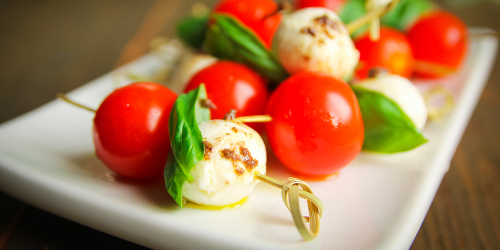 vuly-healthy-festive-canapes-caprese