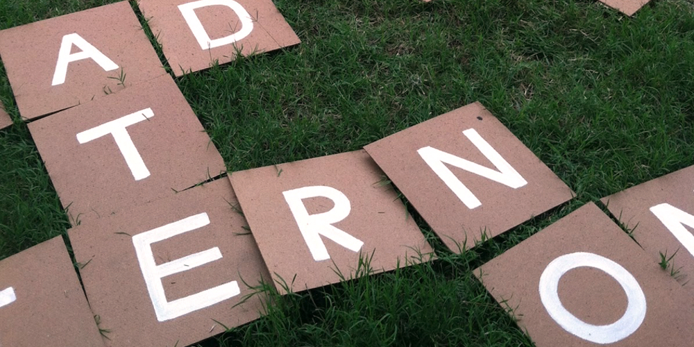backyard-diy-lawn-games-scrabble