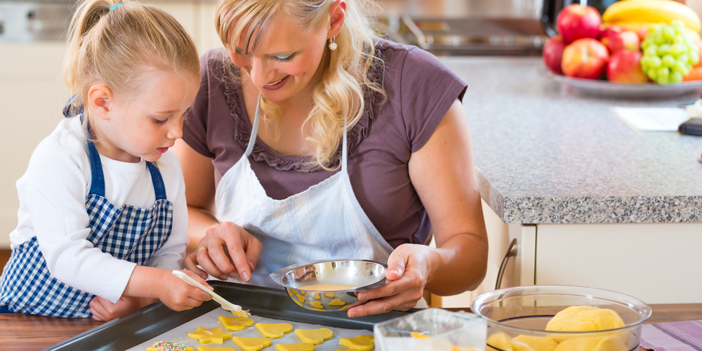 parent-playdate-ideas-baking