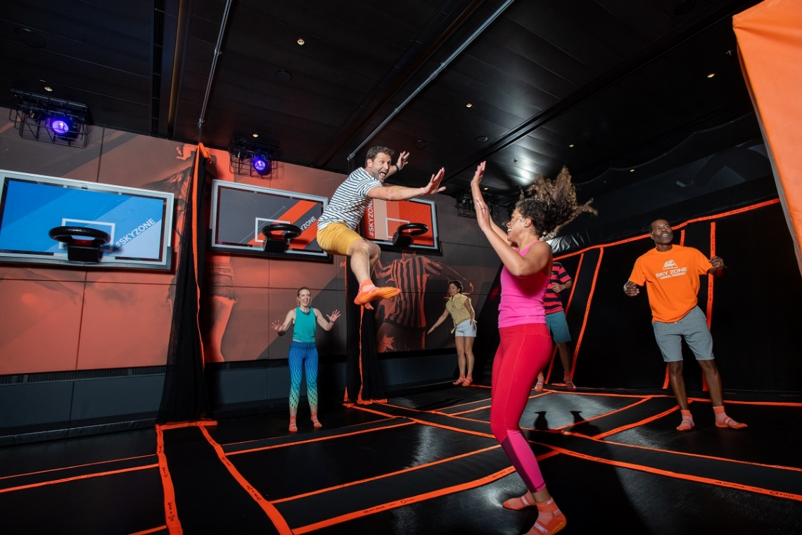 Bouncing in the Sky Zone trampoline cruise park