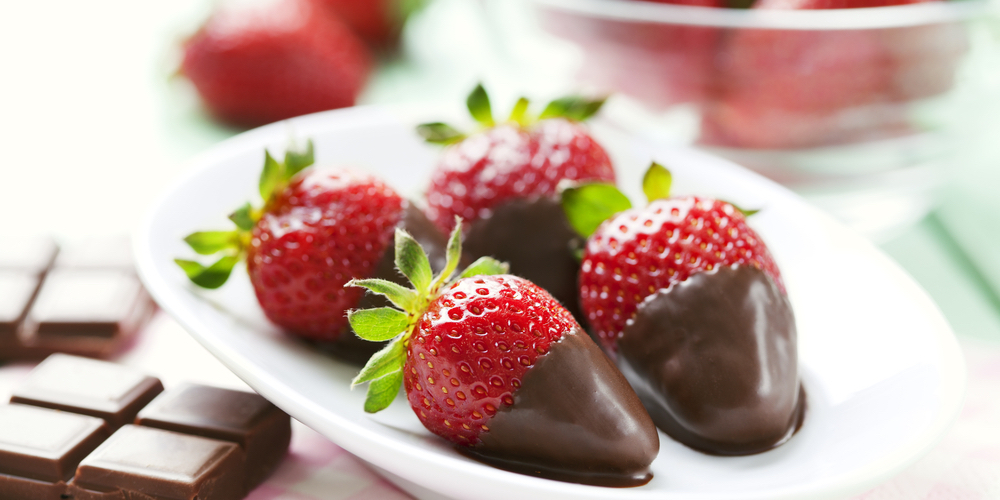 vuly-trampolines-fun-healthy-valentines-day-recipes-stawberries