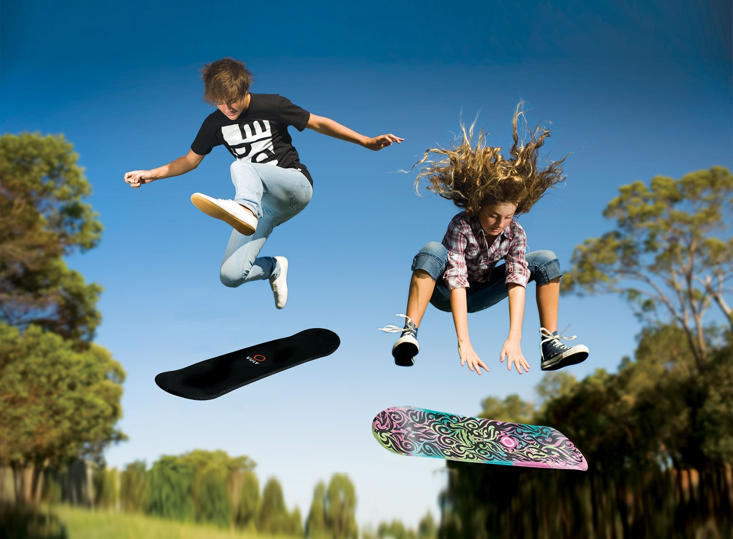 Try out all the skateboarding techniques from the safety of your Vuly trampoline.